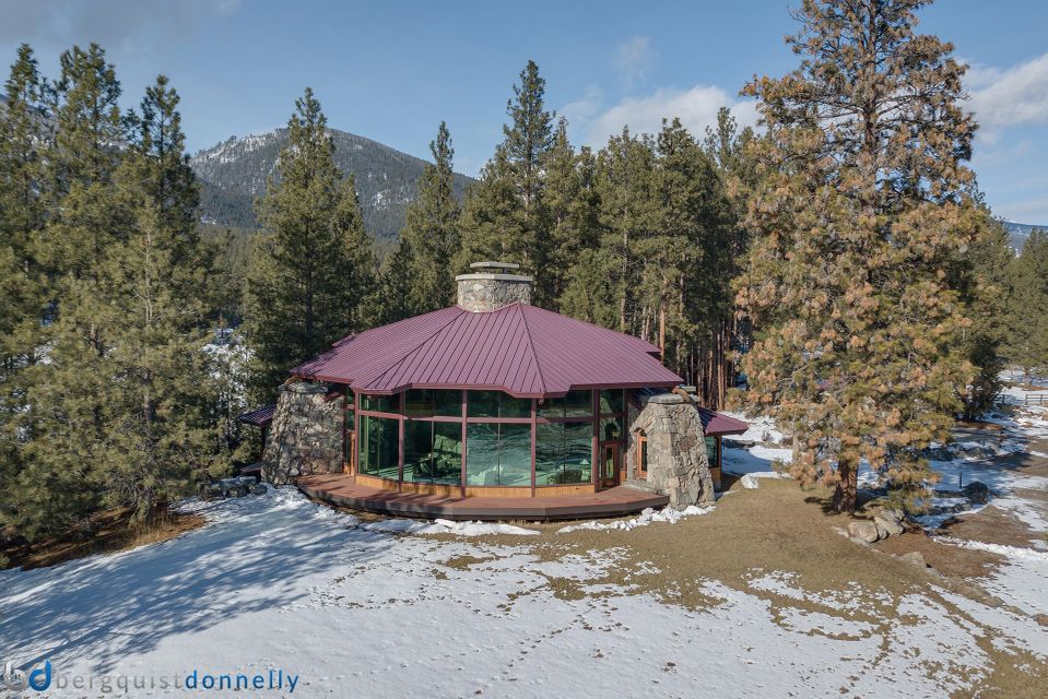Additional photo for property listing at 303 South Kootenai Creek Road 303 South Kootenai Creek Road Stevensville, Montana 59870 United States