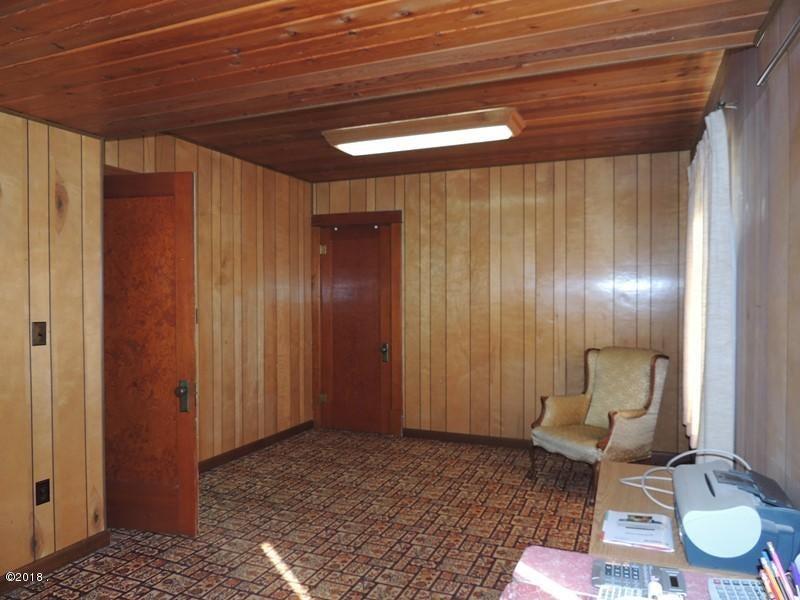 office 1 or bedroom
