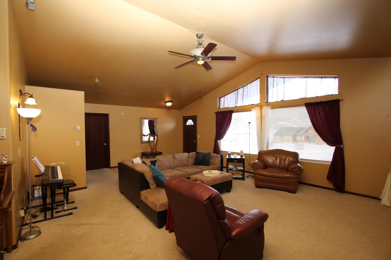 42 Tyler M. Road livingroom 1