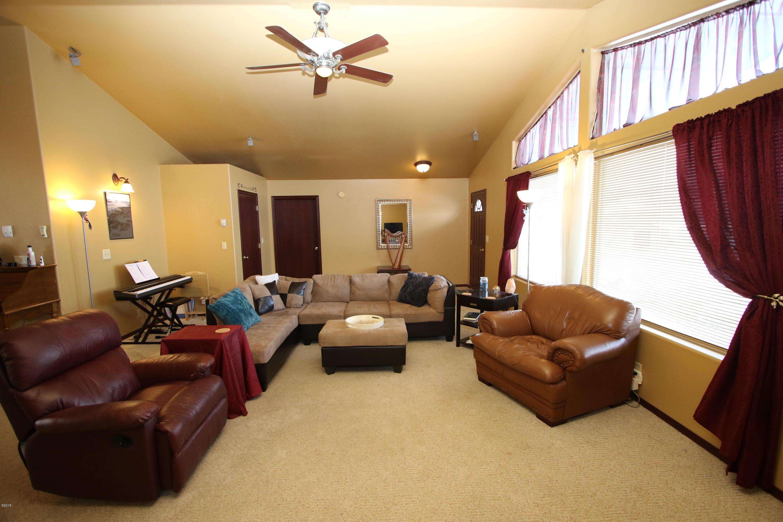 42 Tyler M. Road livingroom 2