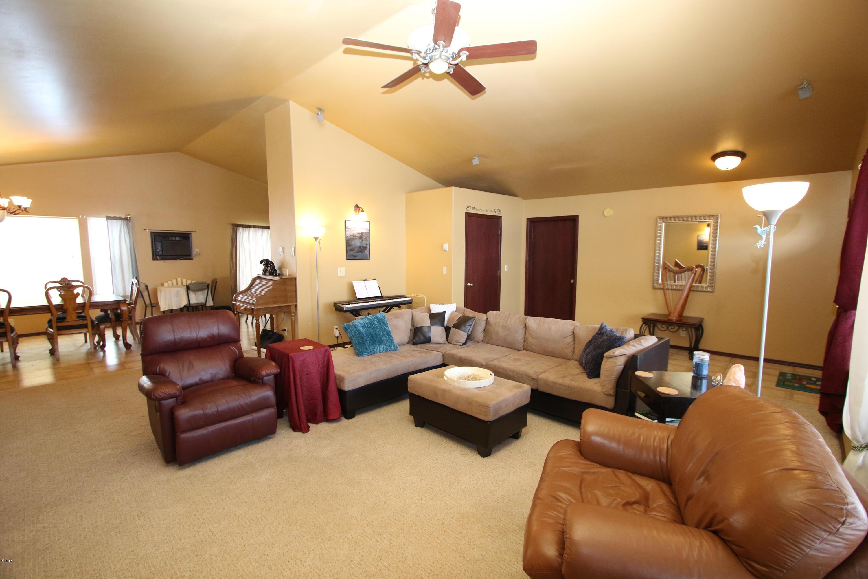 42 Tyler M. Road livingroom 3