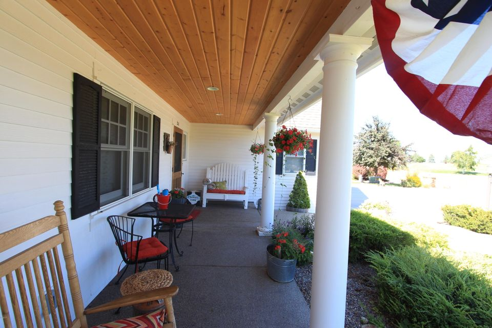 Additional photo for property listing at 211 Eagle Drive 211 Eagle Drive Polson, Montana 59860 United States