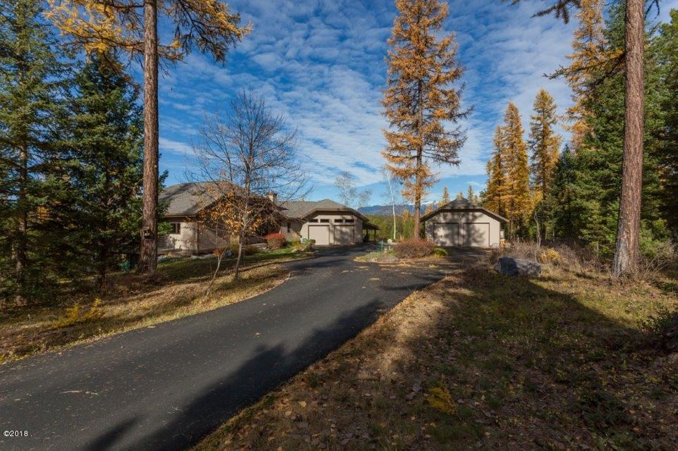 Single Family Home for Sale at 199 Stageline Drive 199 Stageline Drive Whitefish, Montana 59937 United States