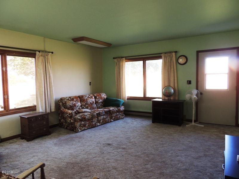 13. livingroom