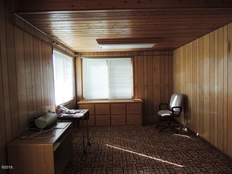 office or bedroom
