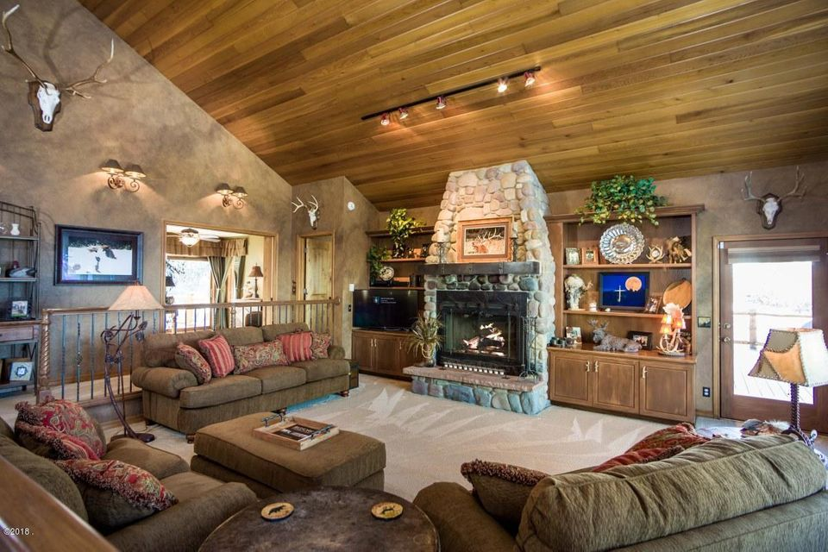 Additional photo for property listing at 16713 Elkridge Road 16713 Elkridge Road Bigfork, Montana 59911 United States