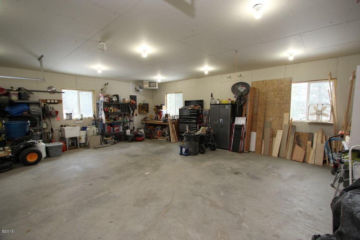 720 Southwood Court garage (Medium)