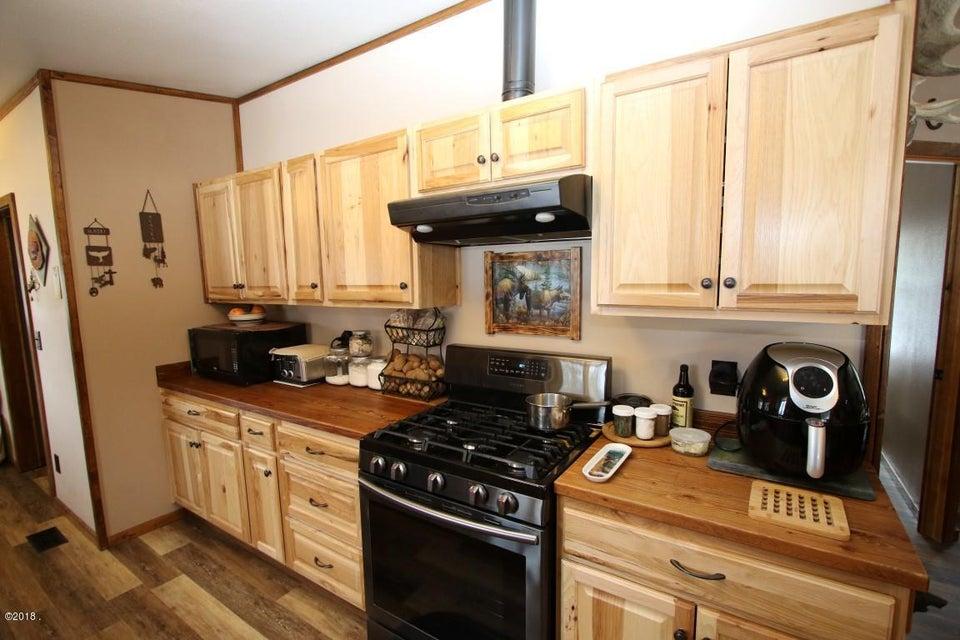 720 Southwood Court kitchen 2 (Medium)
