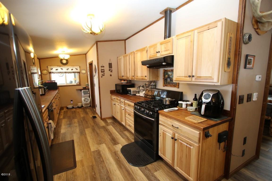 720 Southwood Court kitchen 3 (Medium)