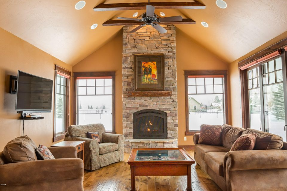 Additional photo for property listing at 1019 Blue Grouse Drive 1019 Blue Grouse Drive Kalispell, Montana 59901 United States
