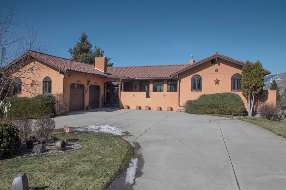 Single Family Home for Sale at 104 Ironwood Place 104 Ironwood Place Missoula, Montana 59803 United States