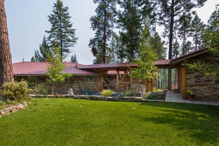 独户住宅 为 销售 在 325 Hughes Bay Road 325 Hughes Bay Road Lakeside, 蒙大拿州,59922 美国