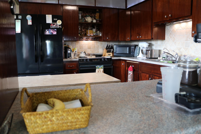 025 Upstairs Kitchen 03
