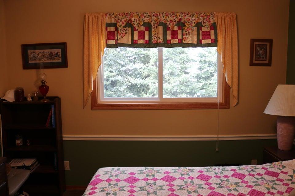 036 Upstairs Bedroom 04