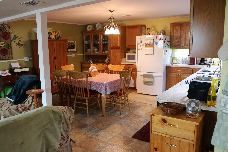 042 Downstairs Kitchen 01