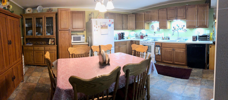 043 Downstairs Kitchen 02