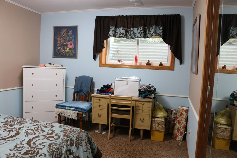 048 Downstairs Bedroom 09