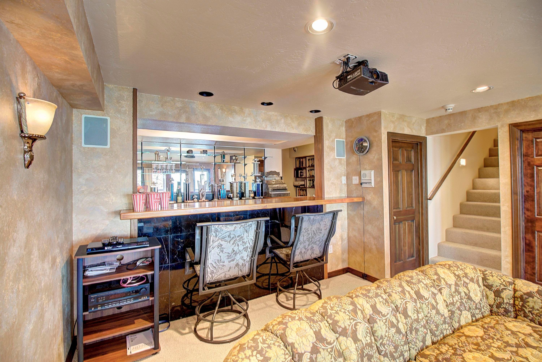 059_Family Room Bar