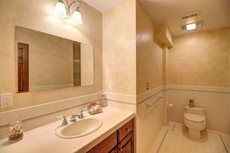 067_Lower Level Full Bath