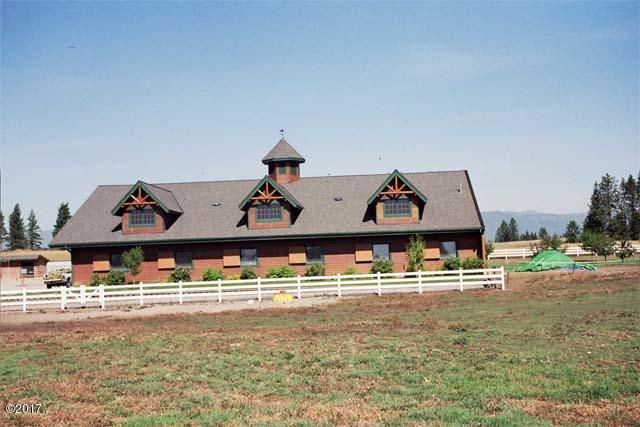Horse Stables - 12 stalls