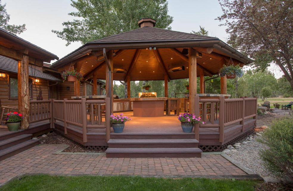 Ashlin Ranch Gazebo