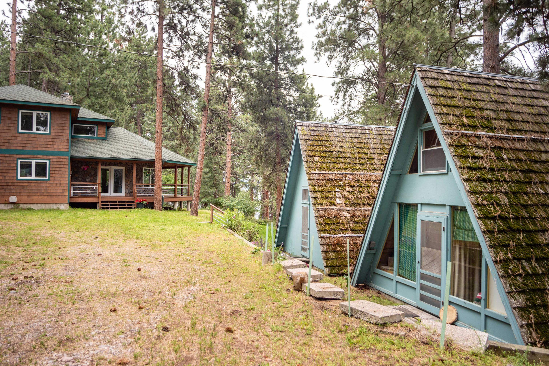 Lake House + Guest Quarters