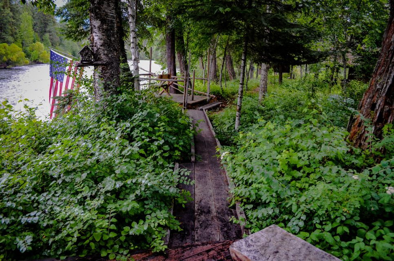 path to riverside deck