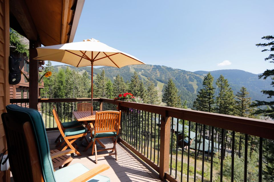 Views to Ski Mountain