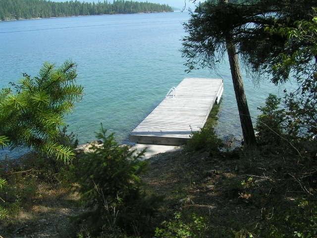 Lake access area