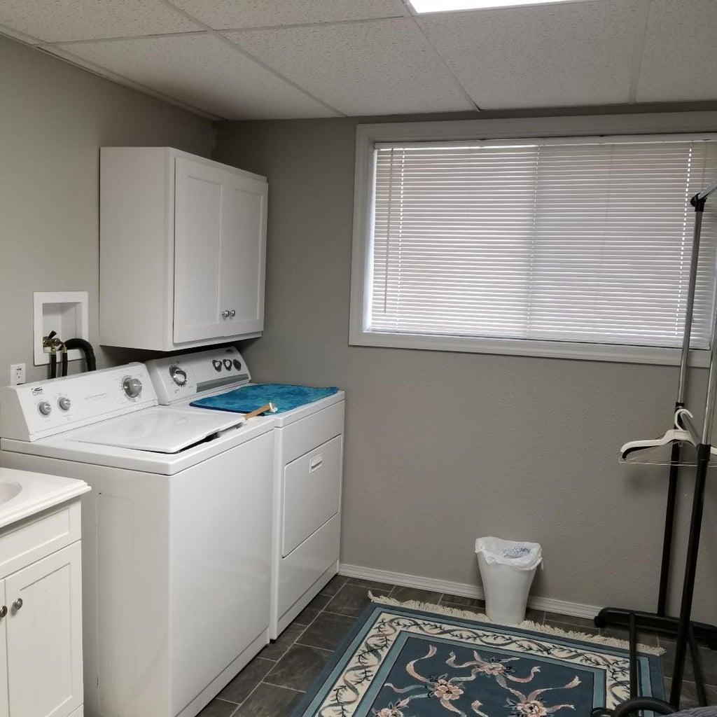 Allen laundry room down