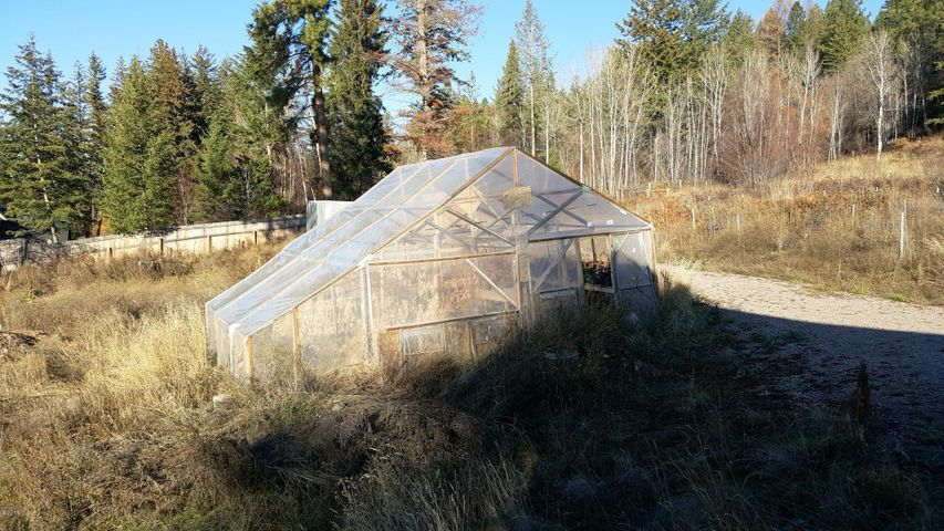 greenhouse on 2.5 ac piece
