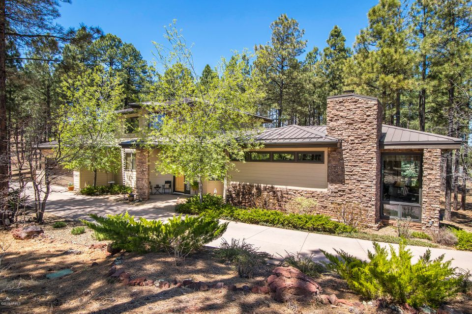 Photo of 4135 Lariat Loop, Flagstaff, AZ 86005