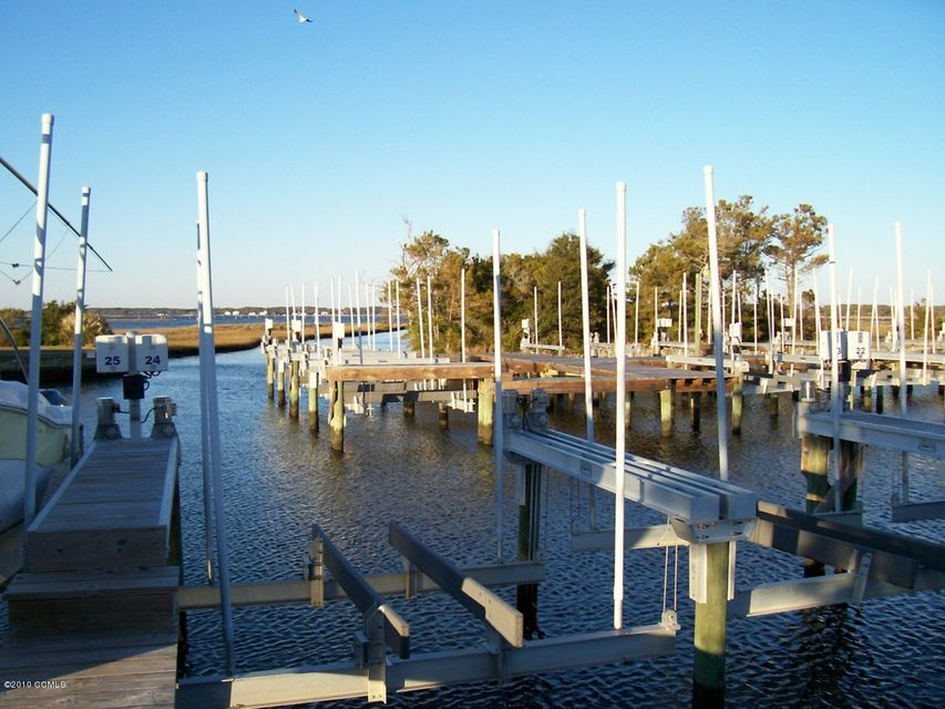 245 BAYVIEW Drive,Harkers Island,North Carolina,Wet,BAYVIEW,11005282