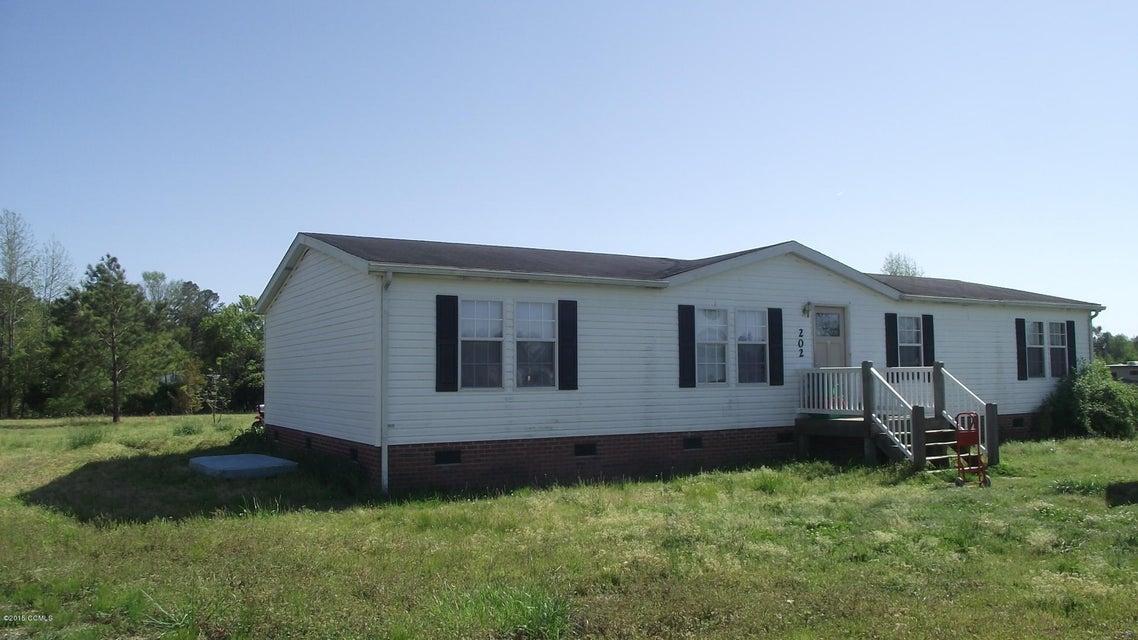 202 E Meetinghouse Drive, Hubert, NC 28539