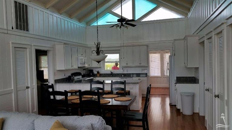 Colonial Beach Real Estate - http://cdn.resize.sparkplatform.com/ncr/1024x768/true/20160114013129910722000000-o.jpg