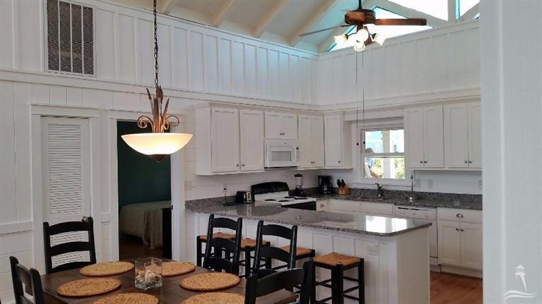 Colonial Beach Real Estate - http://cdn.resize.sparkplatform.com/ncr/1024x768/true/20160114013130002382000000-o.jpg