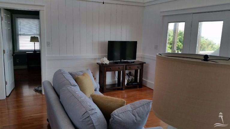 Colonial Beach Real Estate - http://cdn.resize.sparkplatform.com/ncr/1024x768/true/20160114013130318189000000-o.jpg