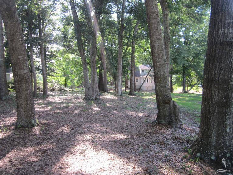 Shoreline Woods Real Estate - http://cdn.resize.sparkplatform.com/ncr/1024x768/true/20160115084917336969000000-o.jpg