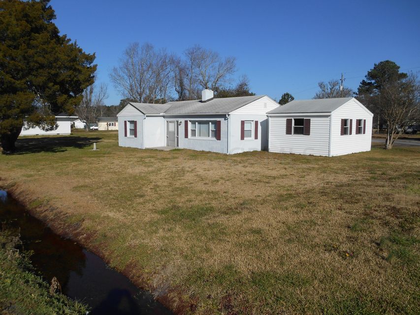 121 Old River Road, Beaufort, NC 28516