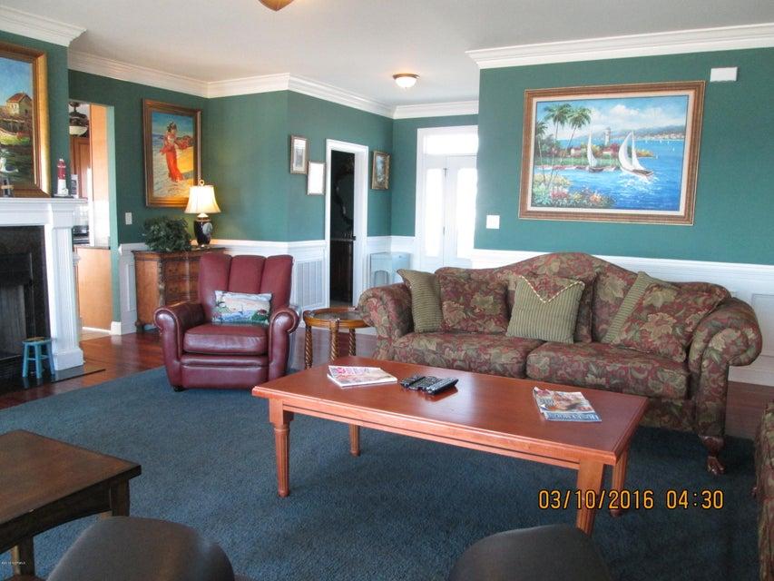 W. Long Beach Real Estate - http://cdn.resize.sparkplatform.com/ncr/1024x768/true/20160309212826901162000000-o.jpg