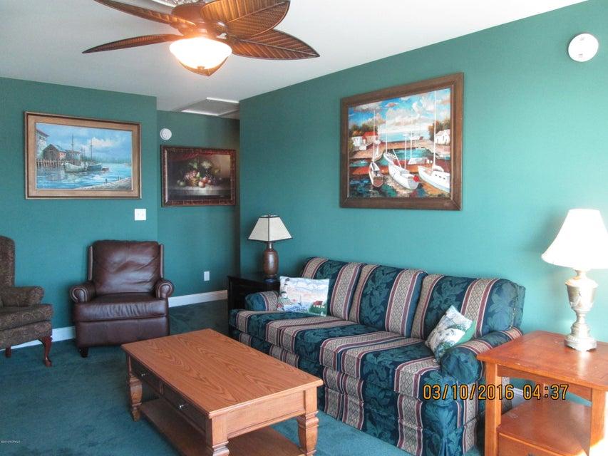 W. Long Beach Real Estate - http://cdn.resize.sparkplatform.com/ncr/1024x768/true/20160309213209762257000000-o.jpg