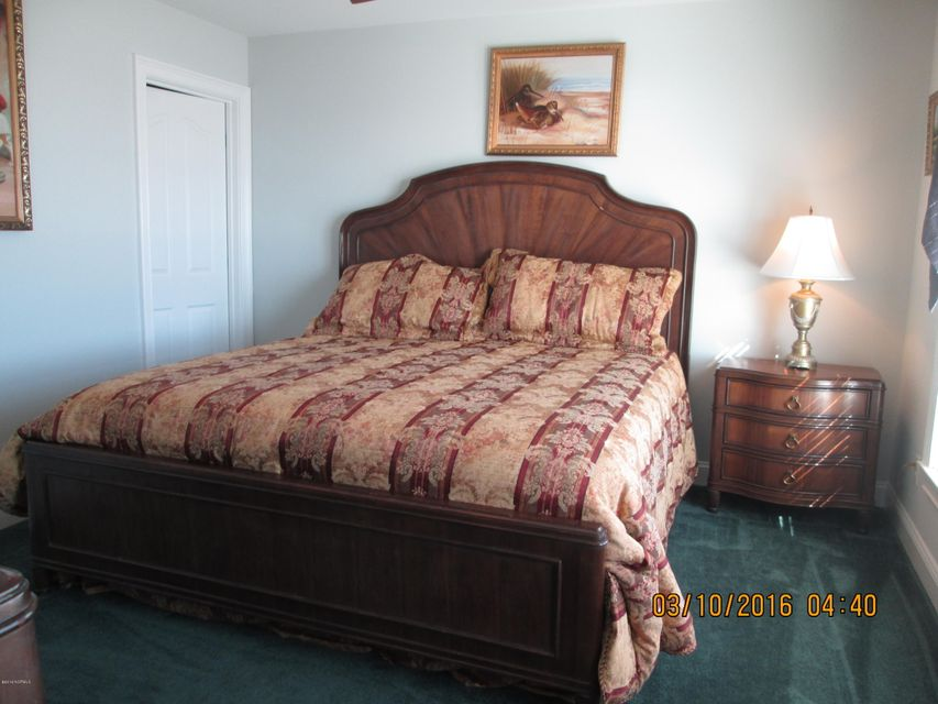 W. Long Beach Real Estate - http://cdn.resize.sparkplatform.com/ncr/1024x768/true/20160309213346038074000000-o.jpg