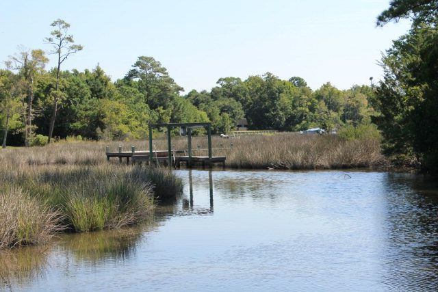 323 Chadwick Shores Drive, Sneads Ferry, NC 28460