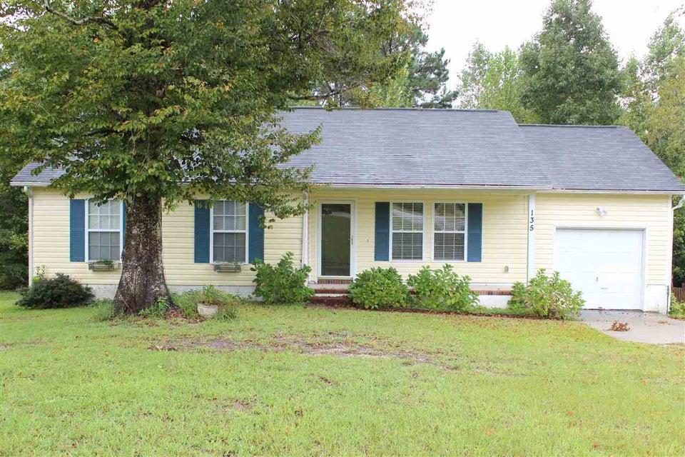 135 Constitution Avenue, Jacksonville, NC 28540
