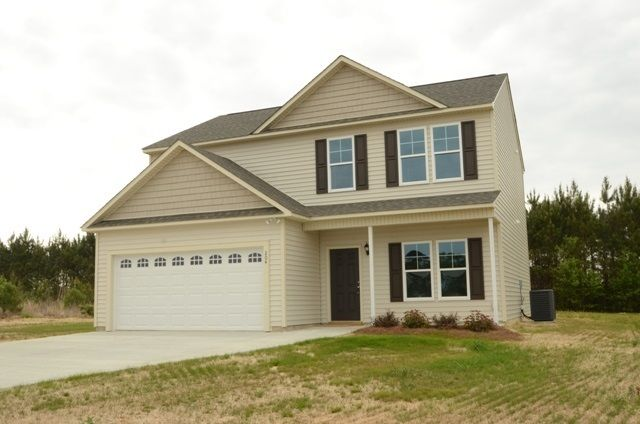 204 Groveshire Place, Richlands, NC 28574
