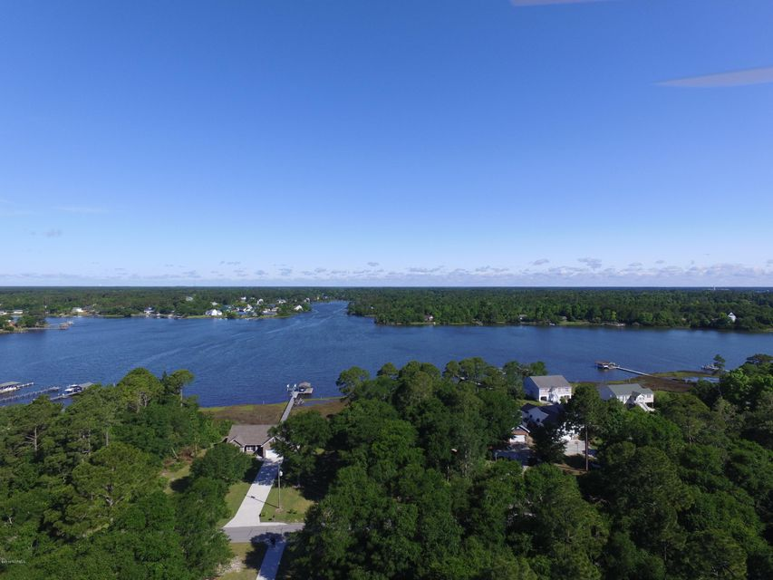 470 Chadwick Shores Drive, Sneads Ferry, NC 28460