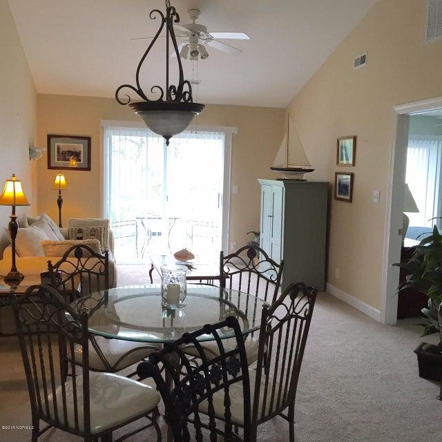 The Village at Southport Real Estate - http://cdn.resize.sparkplatform.com/ncr/1024x768/true/20160606162029029617000000-o.jpg