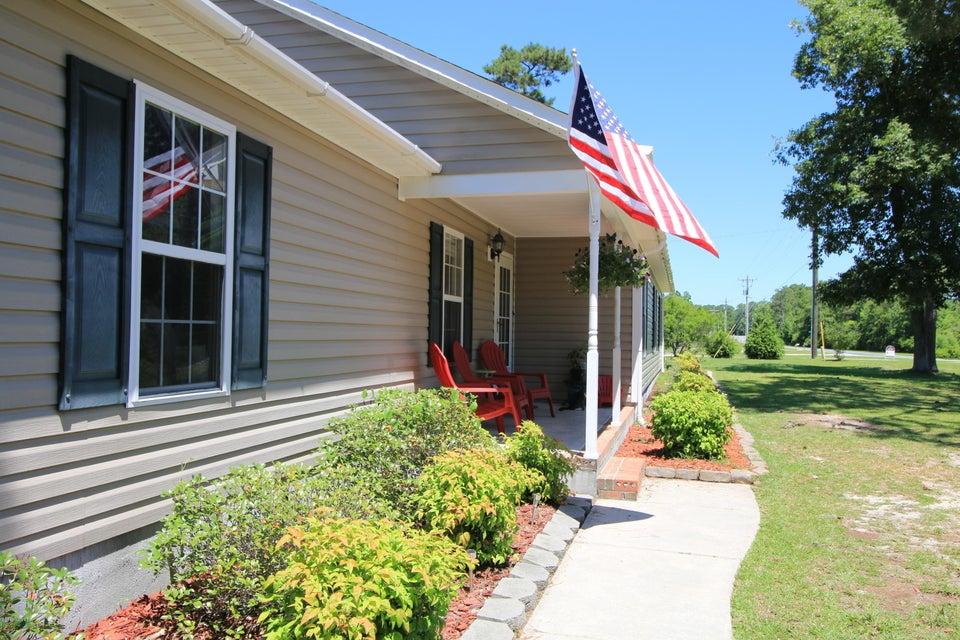 100 Magnolia Lane, Hubert, NC 28539