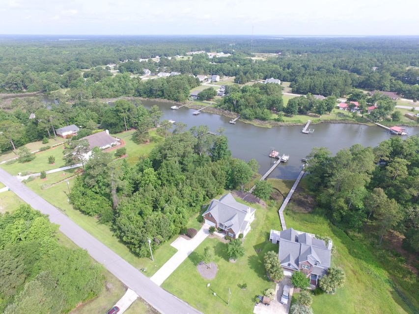 361 Chadwick Shores Drive, Sneads Ferry, NC 28460