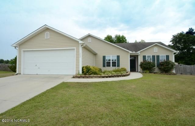 113 Rolling Meadow Drive, Richlands, NC 28574